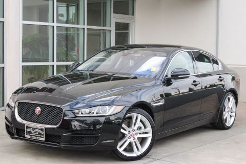 Certified Pre-Owned 2017 Jaguar XE 35t Prestige AWD