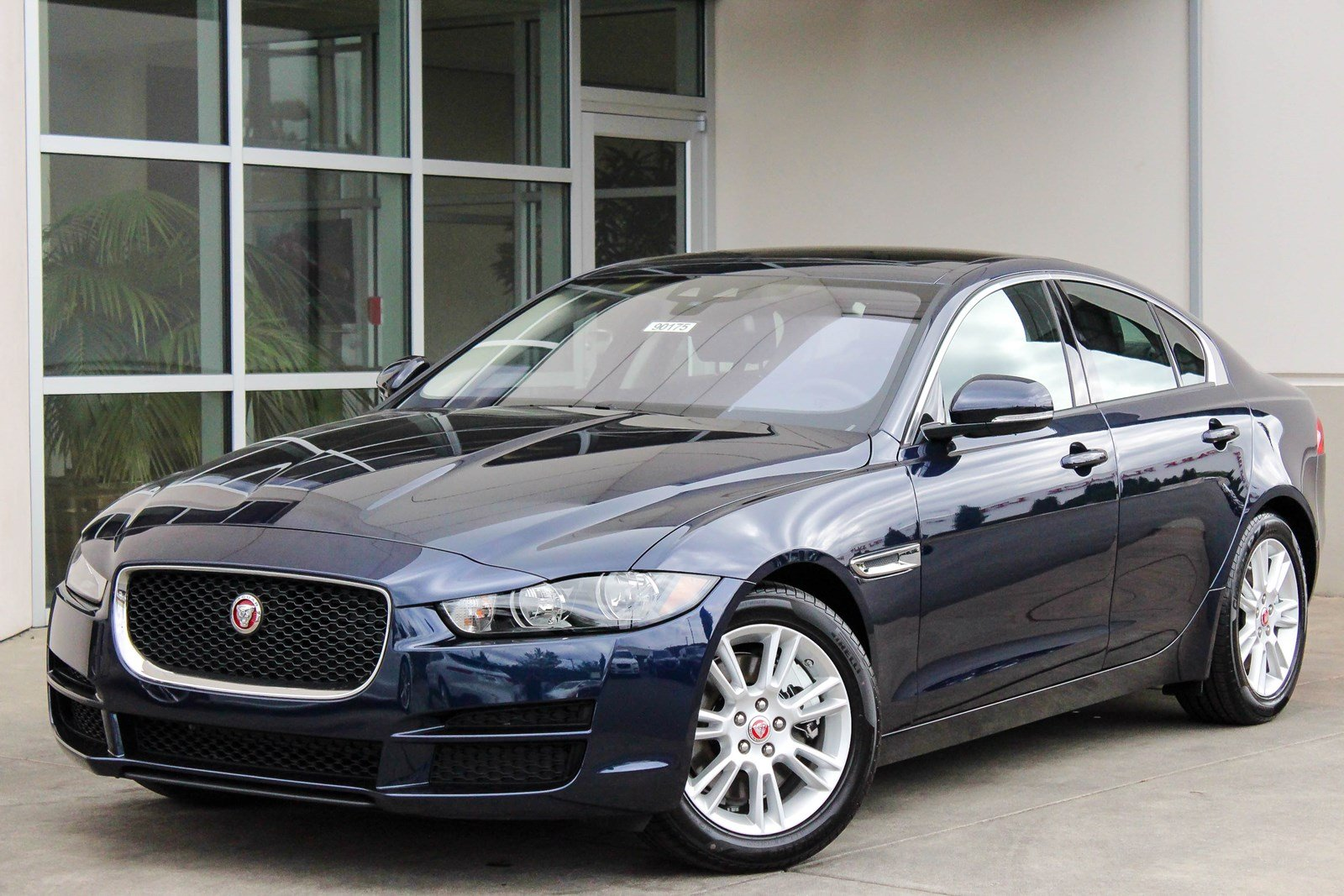 New 2018 Jaguar XE 25t Premium 4dr Car in Bellevue #90175 ...