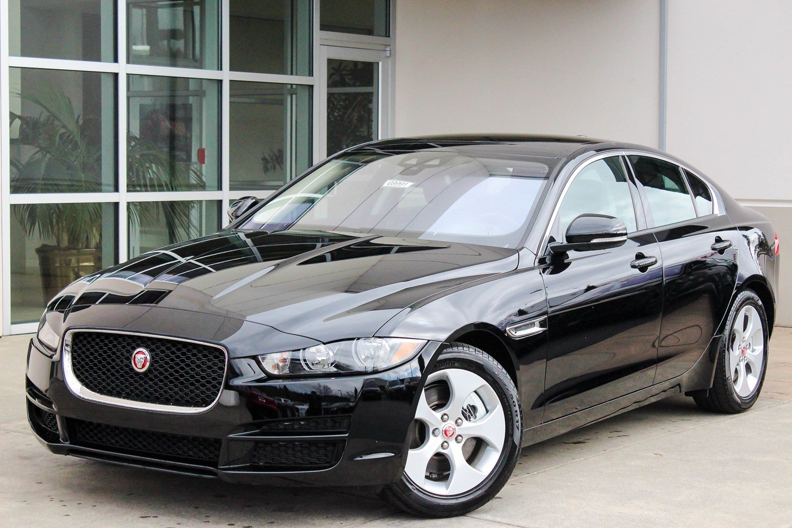 new 2017 jaguar xe 25t 4dr car in bellevue 69991 jaguar. Black Bedroom Furniture Sets. Home Design Ideas
