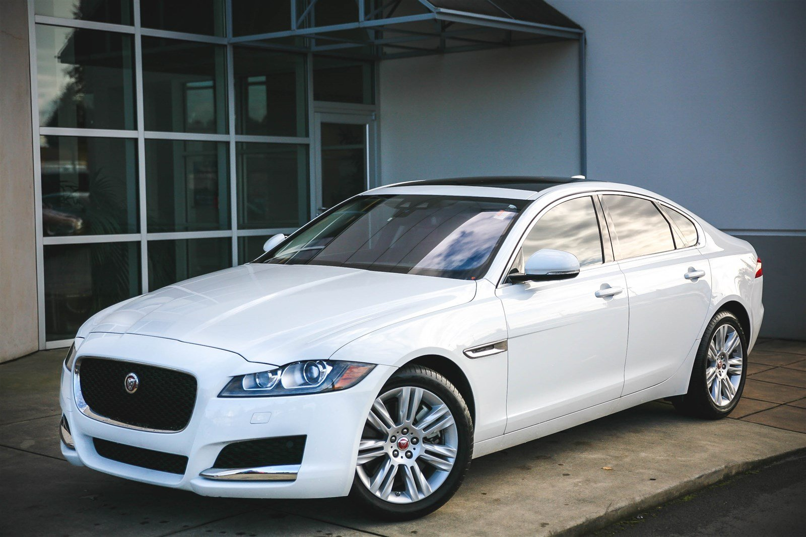 certified pre owned 2016 jaguar xf 35t premium 4dr car in bellevue 69724a jaguar bellevue. Black Bedroom Furniture Sets. Home Design Ideas