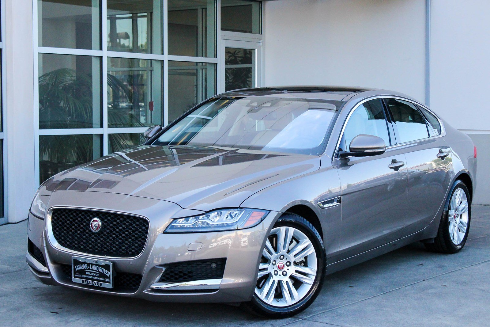 certified pre owned 2017 jaguar xf 35t premium 4dr car in bellevue 8245 jaguar bellevue. Black Bedroom Furniture Sets. Home Design Ideas