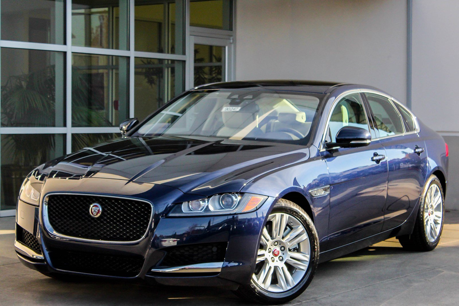 New 2018 Jaguar XF 35t Premium