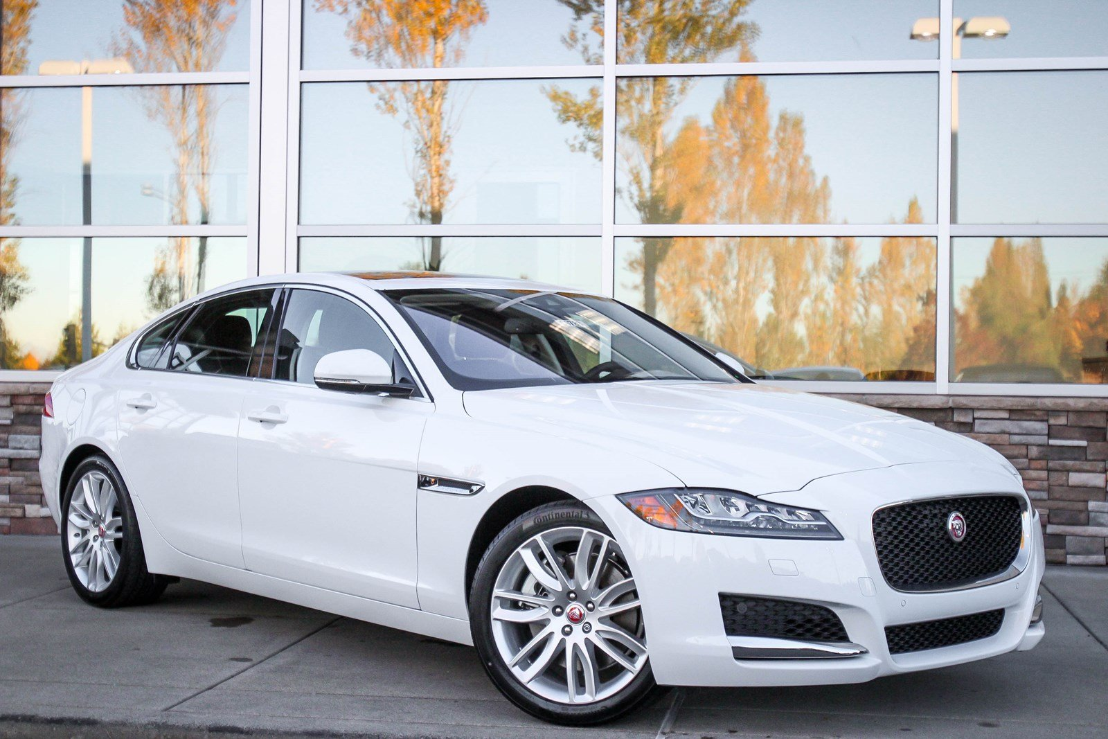 New 2018 Jaguar XF 35t Prestige