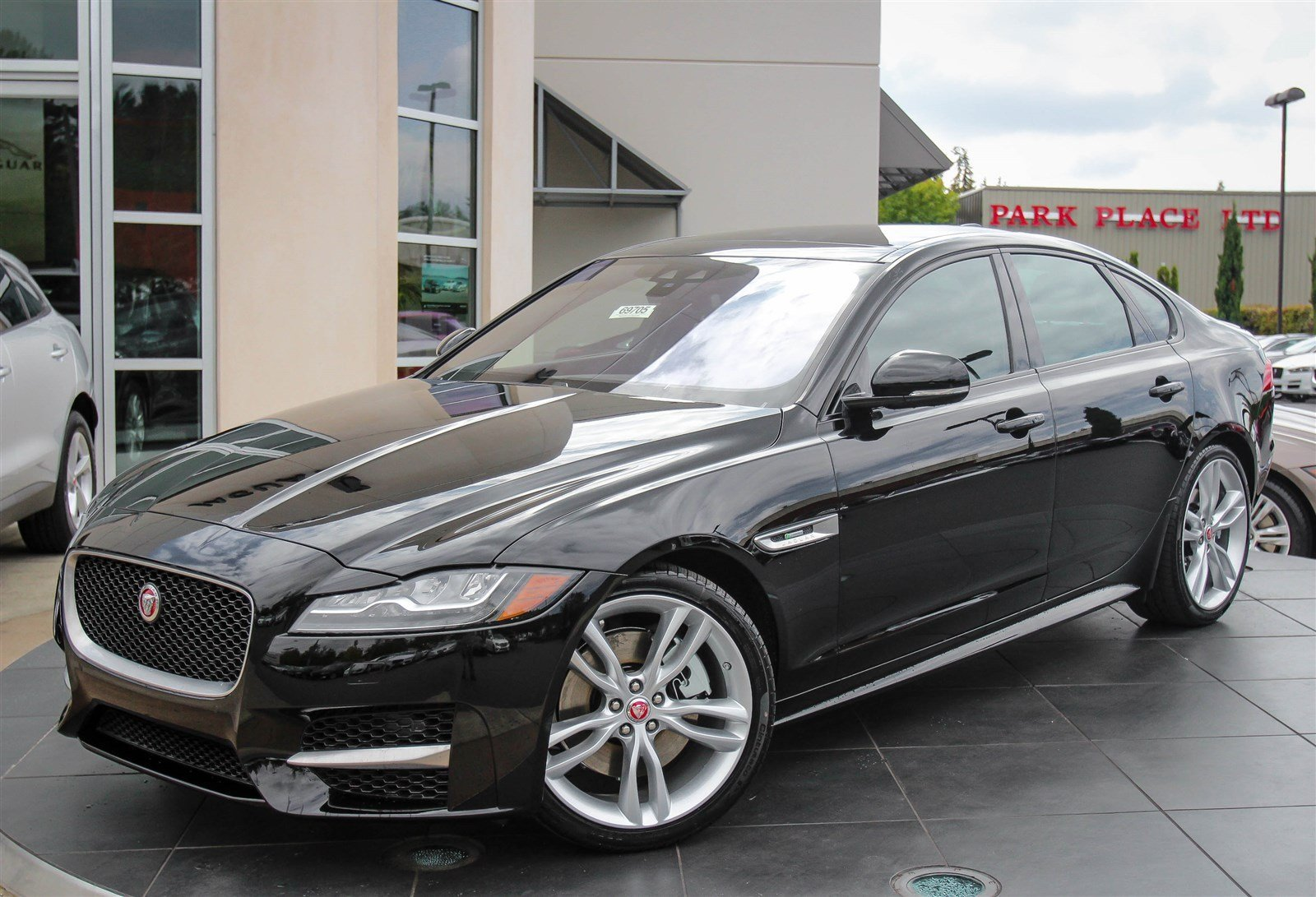 new 2017 jaguar xf 35t r sport 4dr car in bellevue 69705 jaguar bellevue. Black Bedroom Furniture Sets. Home Design Ideas