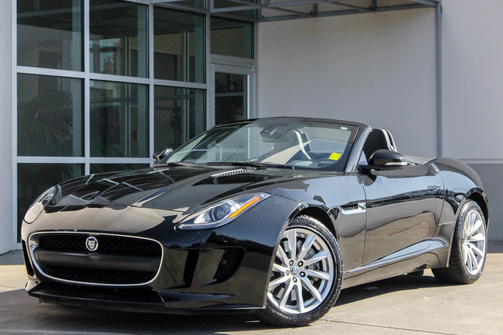 Certified Pre-Owned 2014 Jaguar F-TYPE V6