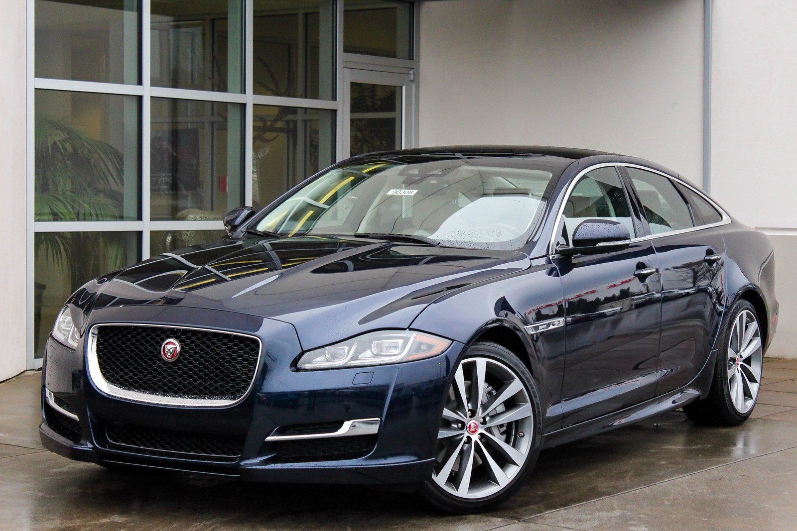 New 2018 Jaguar Xj Xj R Sport 4dr Car In Bellevue 90308