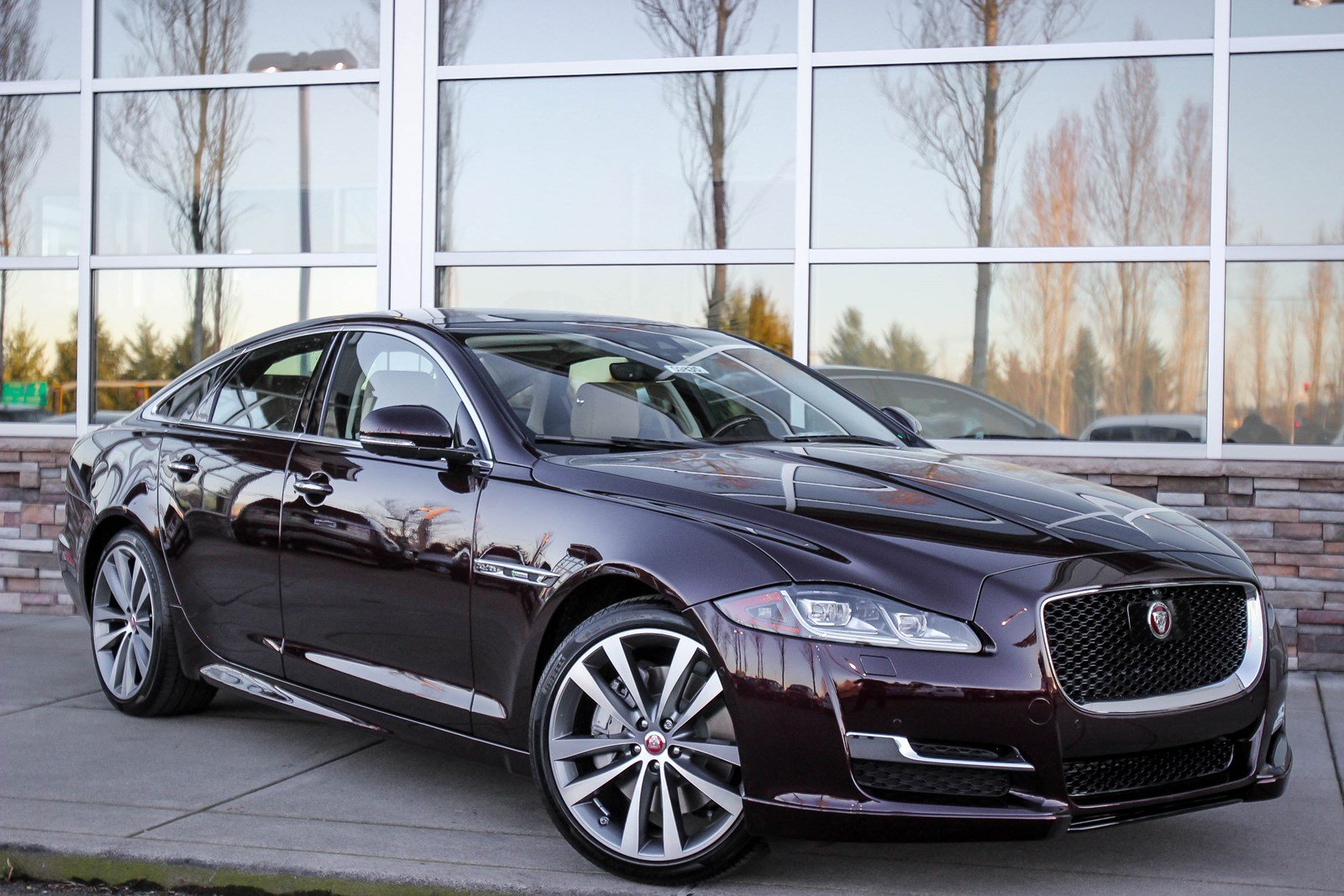 Lease Certified Pre Owned >> New 2018 Jaguar XJ XJ R-Sport 4dr Car in Bellevue #59835 | Jaguar Bellevue